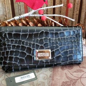 Kenneth Cole Reaction...distressed wallet